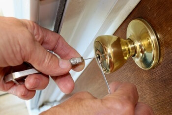 residential locksmith 76105