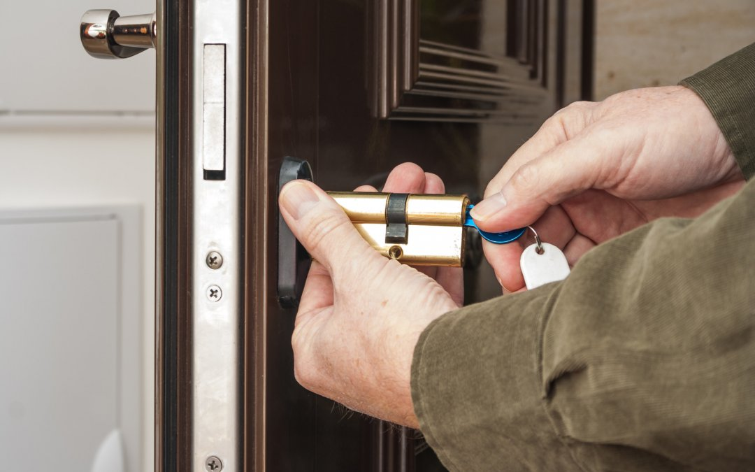 What's the Difference Between Single Cylinder vs Double Cylinder Locks?